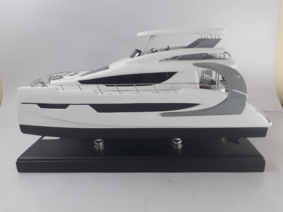 BALI Catamaran 4.3 Motor Yacht Model